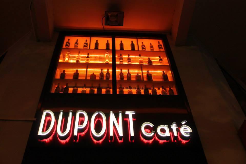 } Minibulle au DUPONT Café